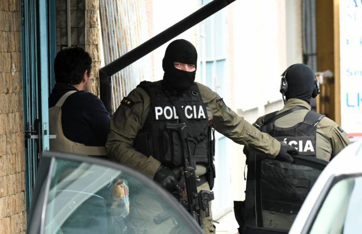 17 személyt, köztük 13 bírót kapcsolt le a NAKA, őket korrupcióval, Kočnert pedig a megvesztegetésükkel gyanúsítják!