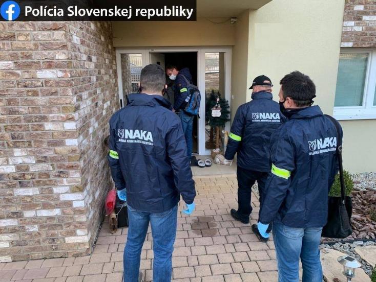 Bíróság elé állították a szeredi drogmaffia tagjait