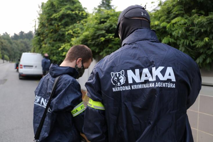 Különös haláleset, lehallgatások és beépített ügynök is szerepet játszik a NAKA és a belső ellenőrzés háborújában