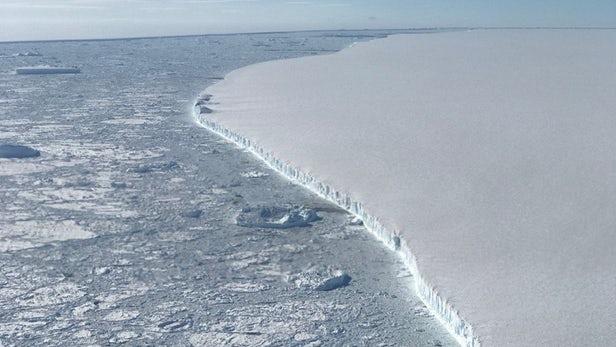Expedíció indul a világ egyik legnagyobb jéghegyéhez