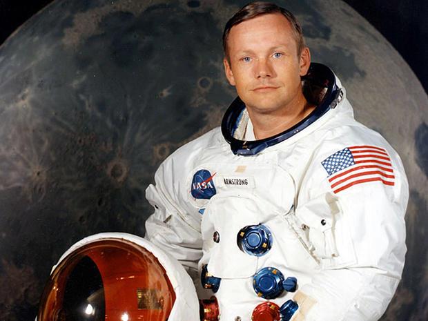 Neil Armstrong emléktárgyaiból rendeznek árverést