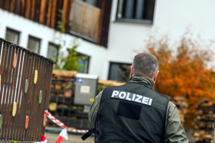 Szlovákiai lányt tartottak fogva Bécsben, de a Facebookon szólt a szlovák rendőröknek!
