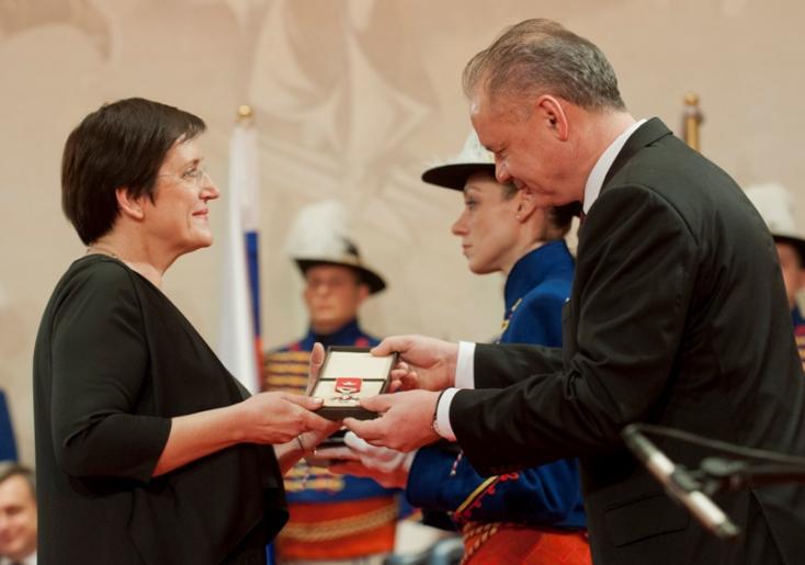 Andrej Kiska kitüntette Németh Ilonát