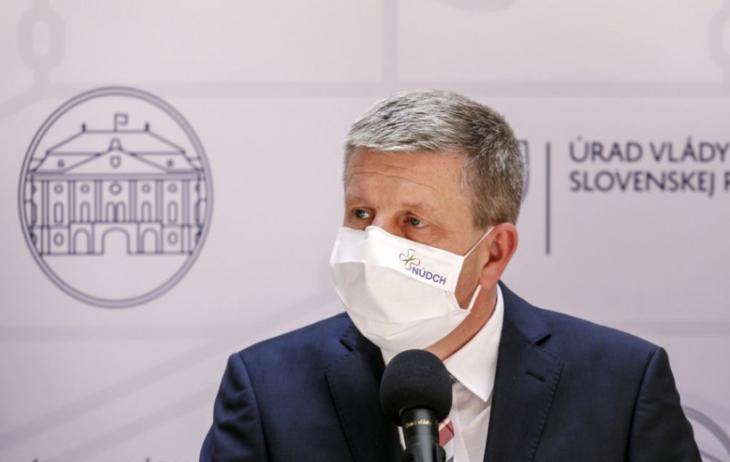 Az egészségügyi miniszter nem akarja leváltani Ján Mikast a rossz adatok küldése miatt