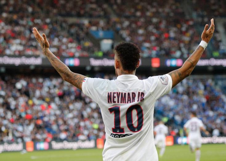 Kifütyülték a meccs alatt, brutális, ollózós választ adott a végén Neymar! (Videó)