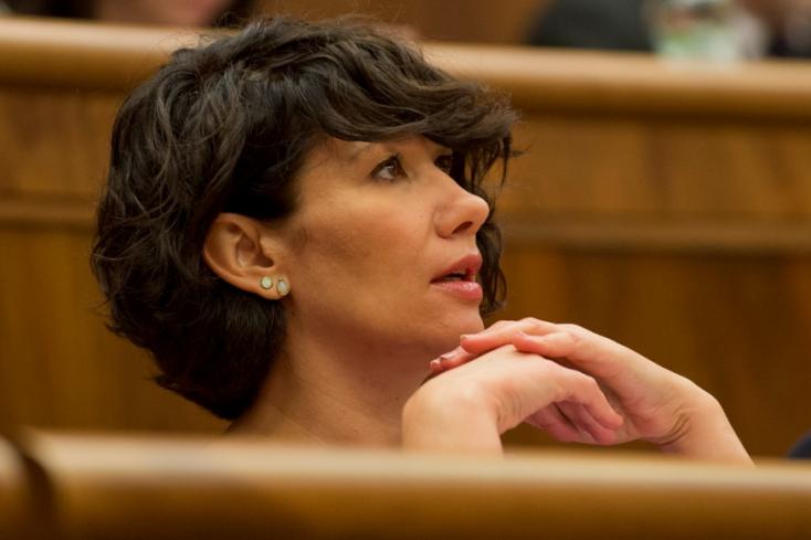 Nicholsonová szerint Blahát felelősségre kell vonni a megnyilvánulásaiért