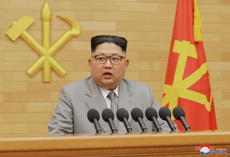 """""""Az egész USA atomfegyvereink hatósugarán belülre került, és az indítógomb mindig ott van az asztalomon"""""""