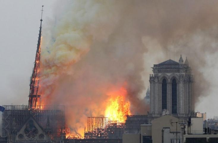 Notre Dame - A festményeket is megmentették, belpolitikai vita alakult ki a huszártorony újjáépítéséről