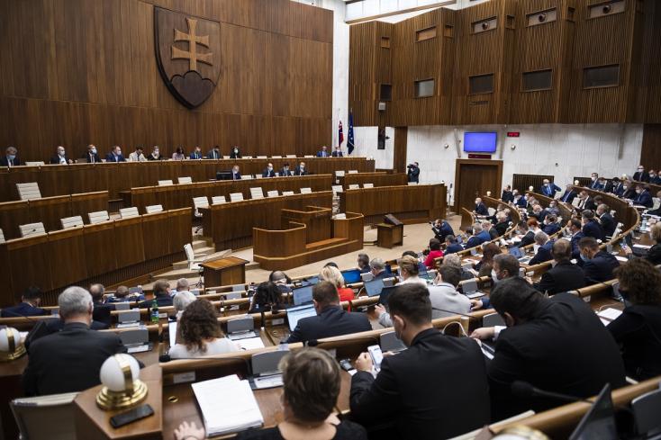 Rábólintott a parlament: elfogadták, hogyan is nézzen ki a hitelek visszafizetésének elhalasztása