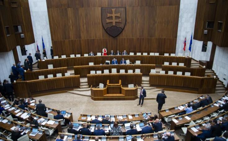 Megszavazták a parlamentben a szexuális egészséget érintő javaslatot