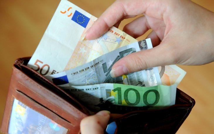 Befagyasztják a minimálnyugdíjakat