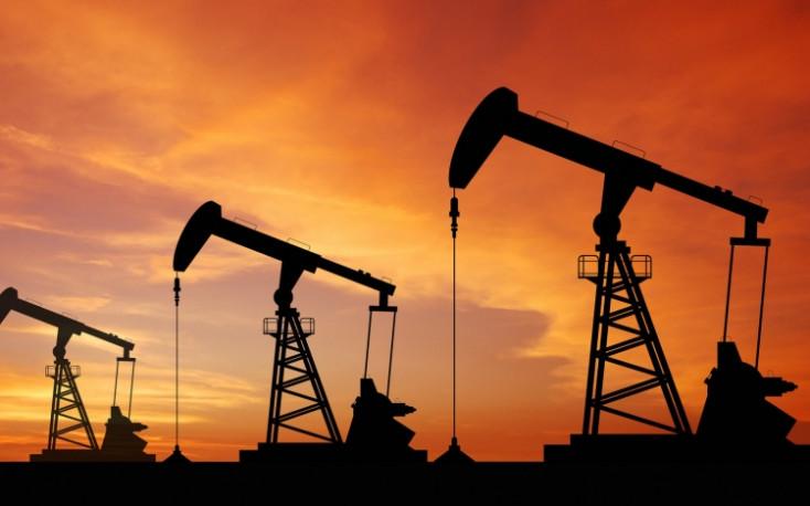 Két és fél éves csúcson az olajár!