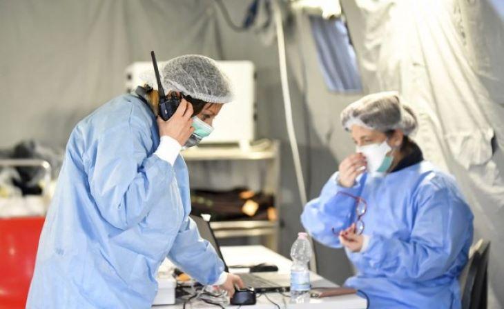 Ötödik napja csökken a koronavírus-fertőzöttek száma, a halottaké továbbra is magas Olaszországban