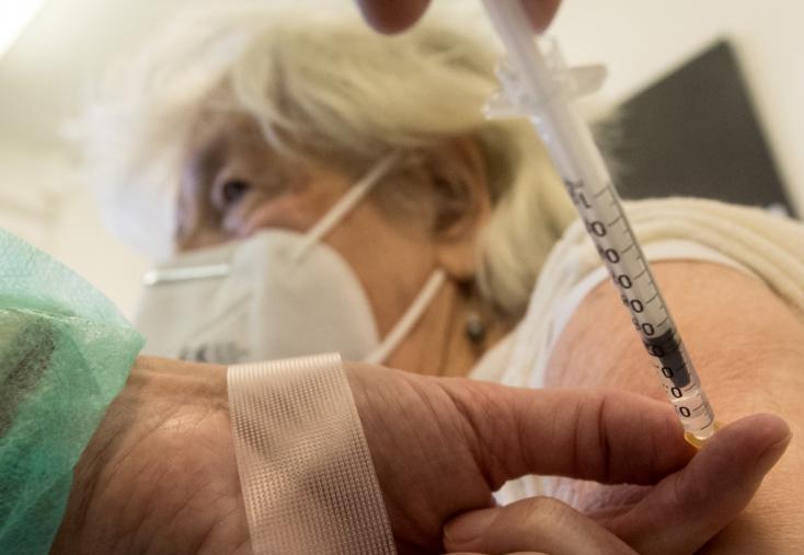 Az osztrák kancellár bízik az igazságos vakcinaelosztásban