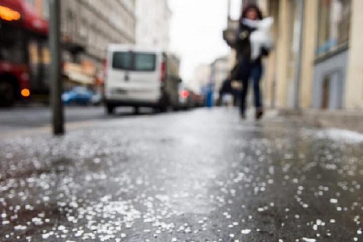 A rendőrség figyelmeztet, veszélyesek lehetnek az utak az ónos eső miatt!