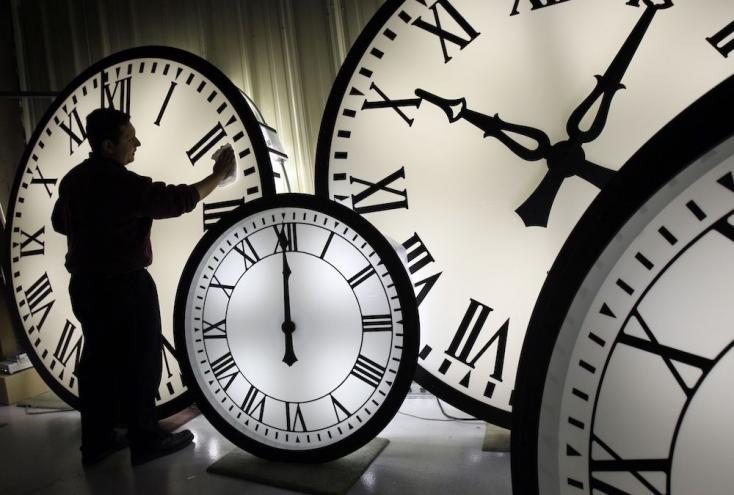 Befagyott az óraátállítás eltörlése