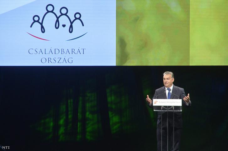 Jön Orbán demográfiai súlypontú kormányzása, alighanem elkésve