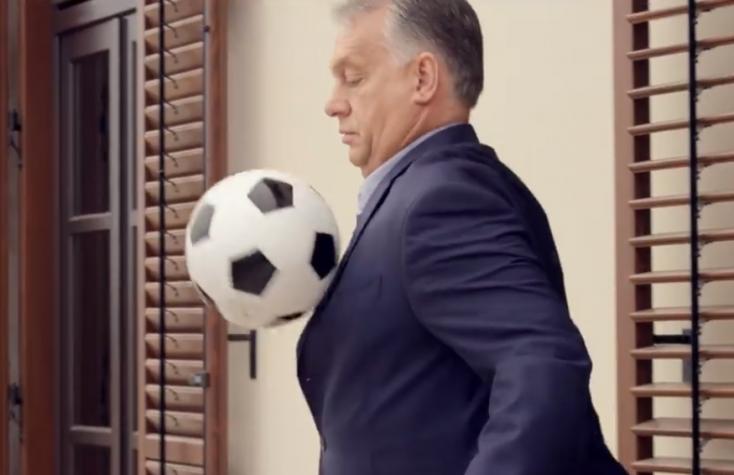 Orbán akkorát rúg egy focilabdába, hogy felavatja vele Közép-Európa legnagyobb stadionját (VIDEÓ)