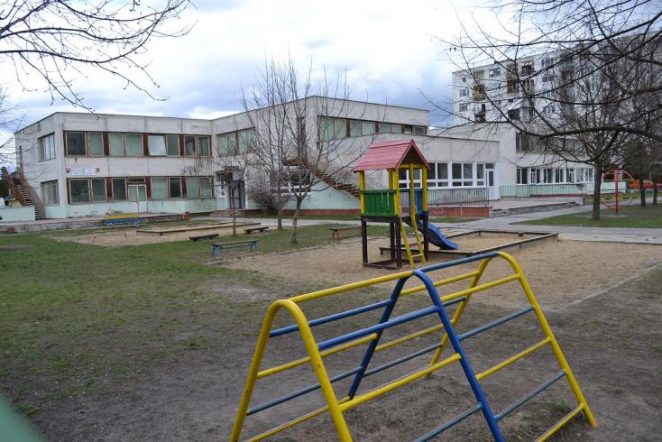 Négy központi óvoda és egy kifőzde jönne létre Dunaszerdahelyen, petíciót indítottak a szülők