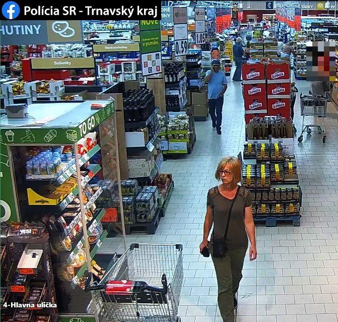 Ez a nő ellopta egy idős asszony pénztárcáját Galántán – segíts megtalálni!