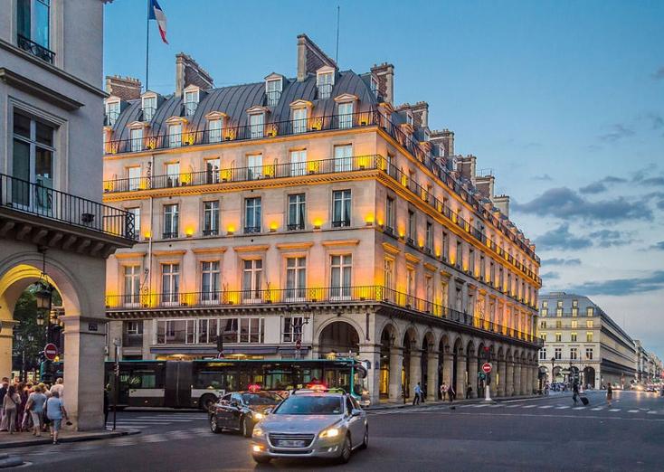 Beszél a pénz, és azt mondja: good bye London, bonjour Párizs!