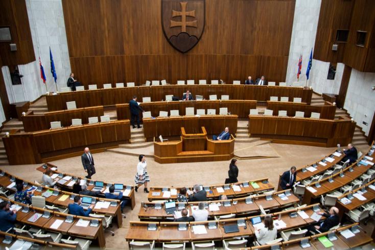 Új arcok érkeznek a szlovák parlamentbe