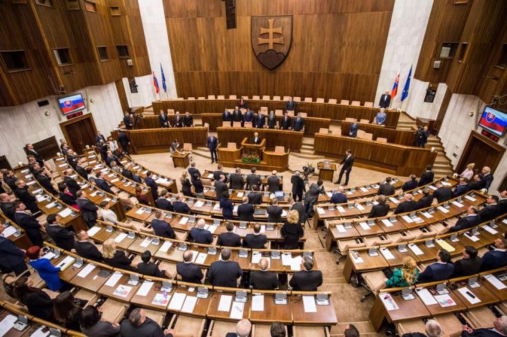 Abortuszról és alkotmánybíró-jelöltekről is dönt szerdán a parlament