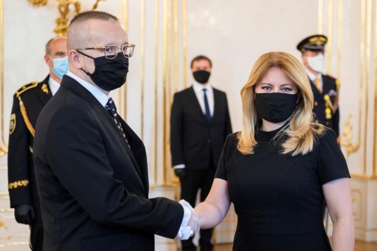 Az egyik oldalon Kočner, a másikon a SIS jelenlegi főnöke. Ki irányítja a titkosszolgálatot?