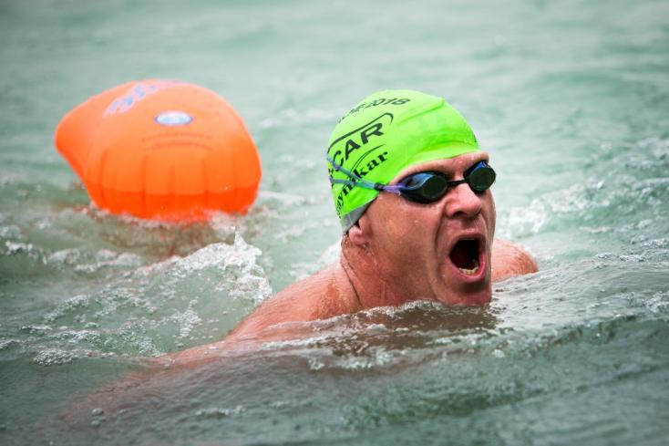 Pék Dezső előbb Csehországban 10, majd Ausztriában 14 kilométert úszott