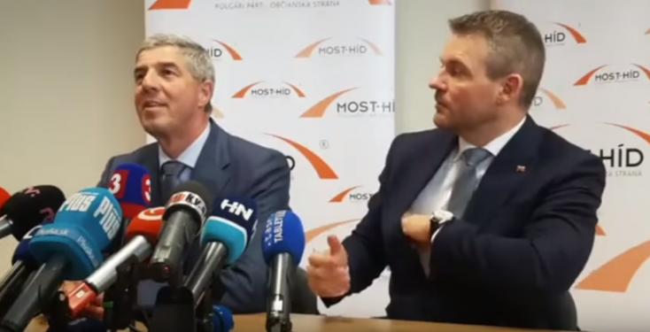 Egy ország találgatja, mi pottyant ki Pellegrini zsebéből (videó)
