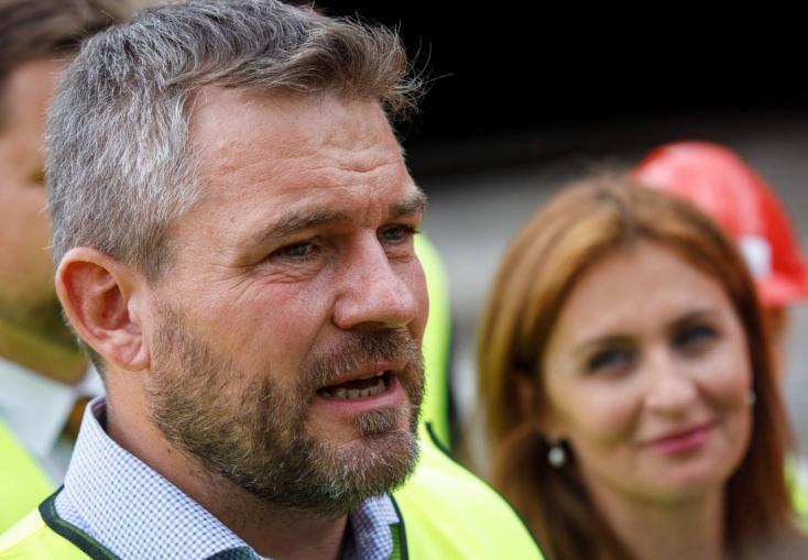 Fico örülhet, Kalavská egy hónapot kapott Pellegrinitől