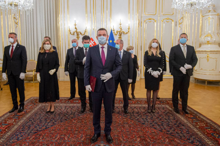 Lemondott Pellegrini kormánya, most már Matovičon a sor