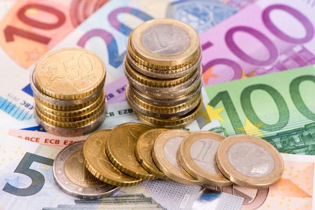 834 euró az átlagbér Nagyszombat megyében