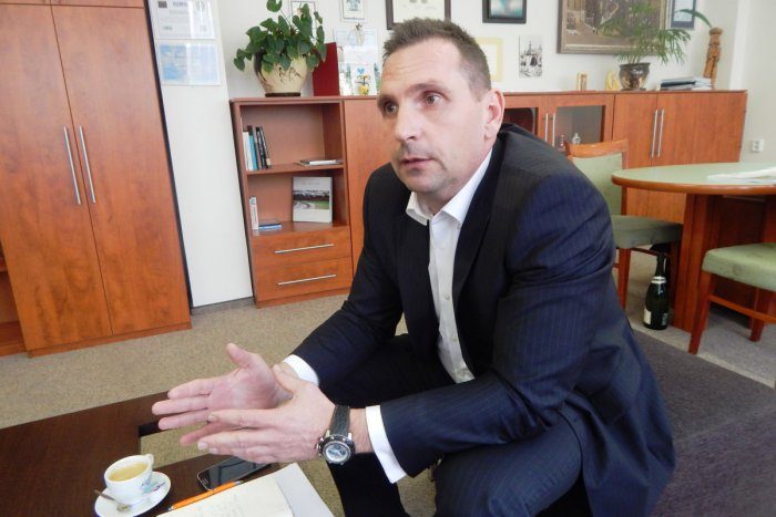 Új hidas képviselő kerül a parlamentbe