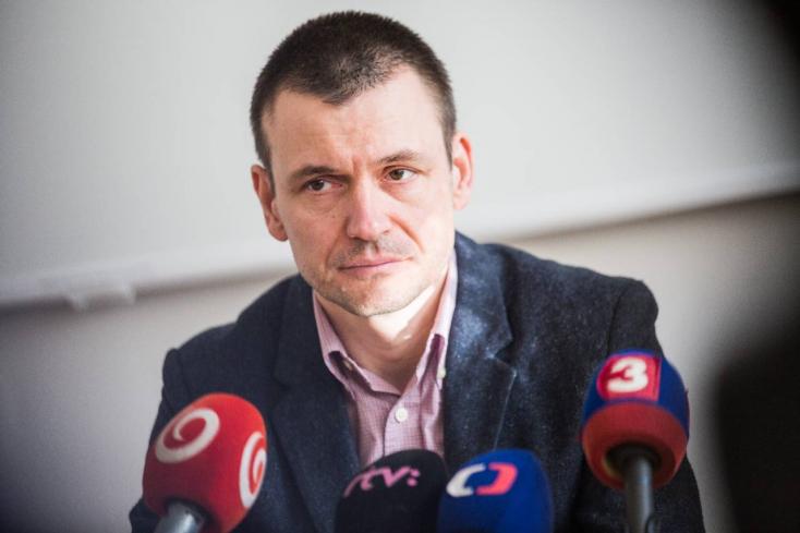 Egész nap vallatta a NAKA Peter Tóthot