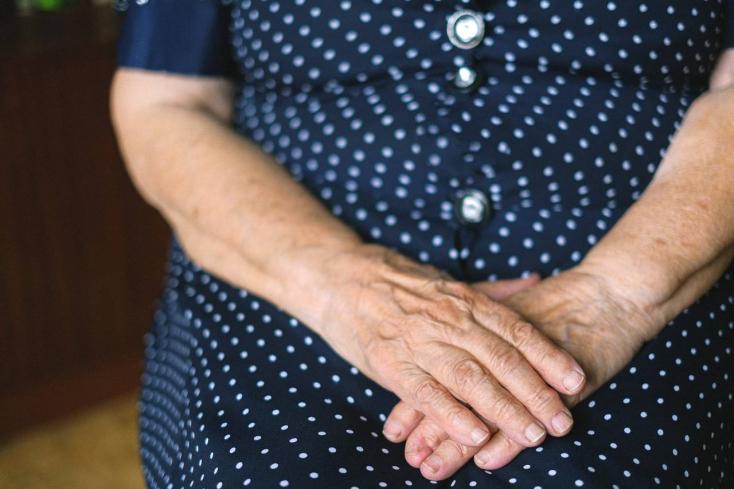 A rendőrség felszólítja az időseket, hogy legyenek óvatosak az idegenekkel szemben