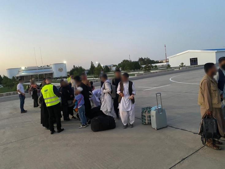 Lengyelországnem kockáztat,lezárja a kimenekítéstAfganisztánból