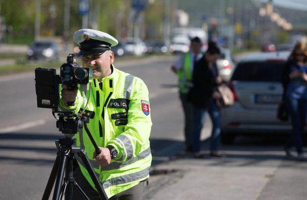 A lakosság mondta meg a rendőröknek, hol mérjenek - Ezeken a szakaszokon lesznek rendőrök a Csallóközben
