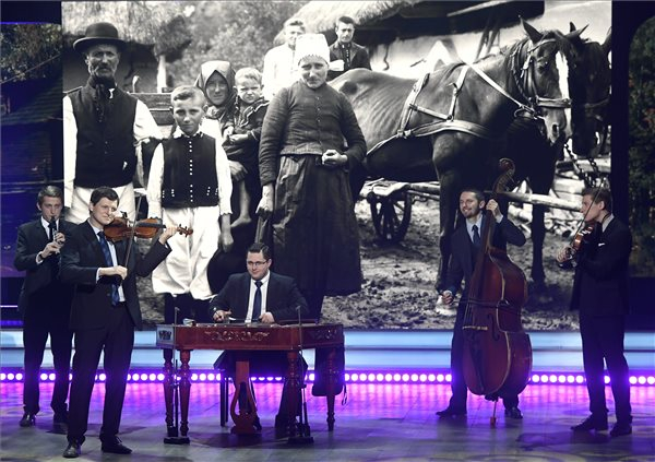 Fölszállott a páva: A csallóközi Pósfa zenekar kategóriagyőztes lett!