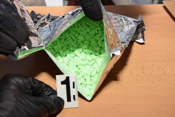 973 ecstasy tablettát rendelt a szerdahelyi postára, azóta a hűvösön csücsül