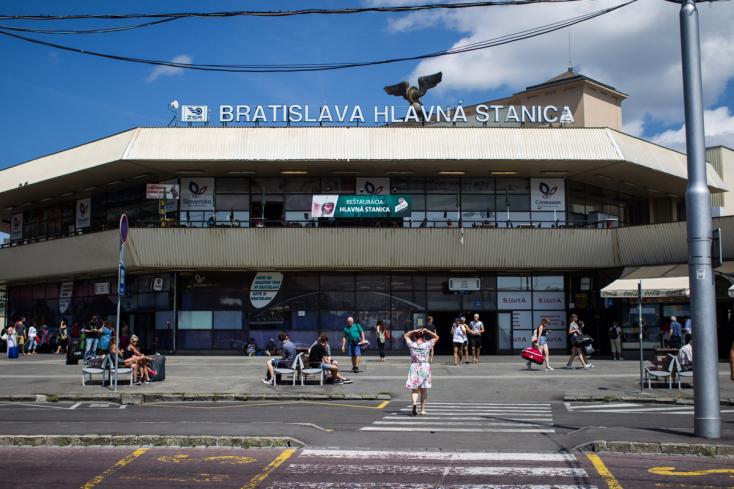 A májusi hoki-vb-ig csak kitakarítani, de felújítani nem tudják a pozsonyi Főállomást