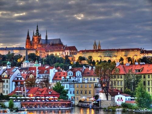 Zizegnek a csehek is a menekültelosztási kvóták miatt