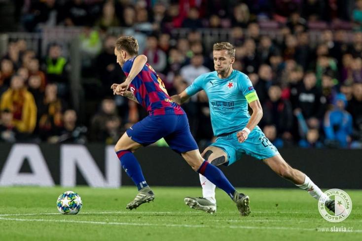Pontot szerzettBarcelona ellen az idegenben játszó Slavia Praha