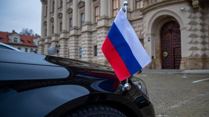 Varsó támogatja Prága döntését az orosz diplomaták kiutasításáról