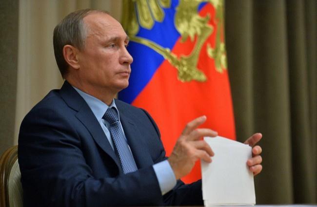 Putyin három-négynaponta elvégezteti magán a koronavírus-tesztet