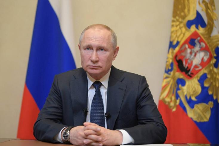 KORONAVÍRUS: Putyin egyhetes munkaszünetet rendelt el