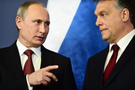 """Putyin Orbánnak küldött újévi üzenetében reméli a """"produktív közös munka folytatását"""""""