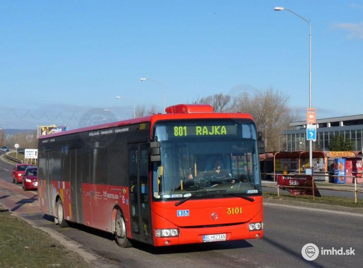 Szellős lett a szlovák-magyar határ, újra jár a busz Rajka és Oroszvár között