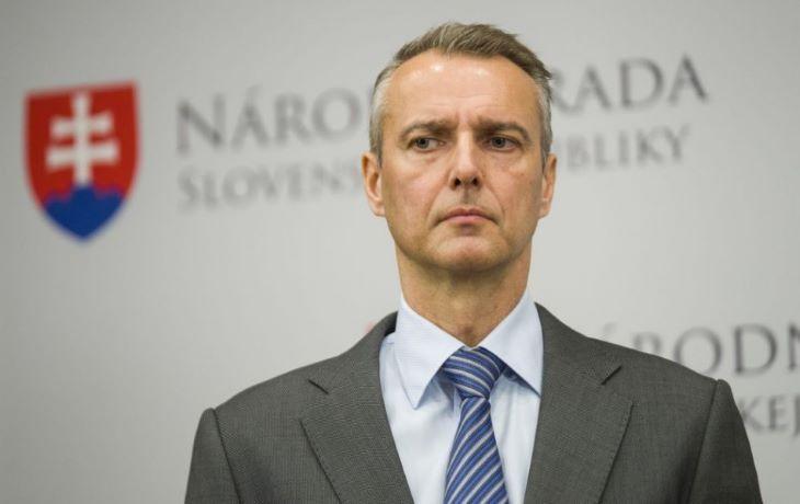 Felszólították a kormányfőt, hogy állítsa le az országos tesztelés következő fordulóját
