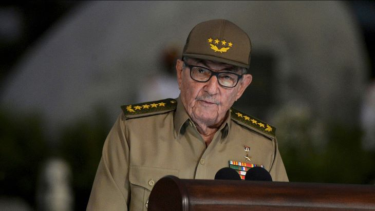 Bejelentette lemondását Raúl Castro